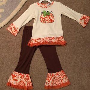 Ann Loren pumpkin outfit 4/5T EUC